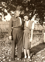 1945 circa Mom and Dad